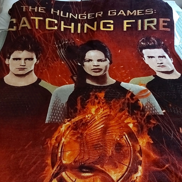 🔥The Hunger Games Catching Fire Blanket Throw